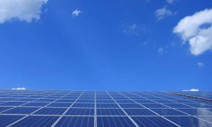 Researchers analyze the use of solar energy at US airports