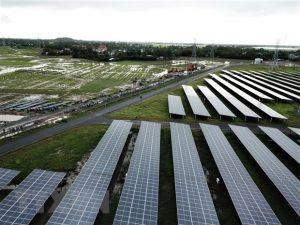 Vietnam steps up clean energy development